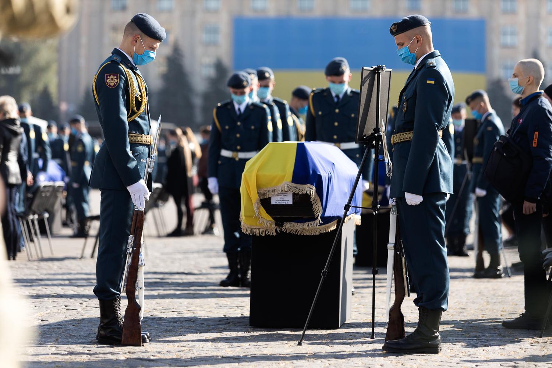 Гроші для родин курсантів, загиблих на АН-26 під Харковом