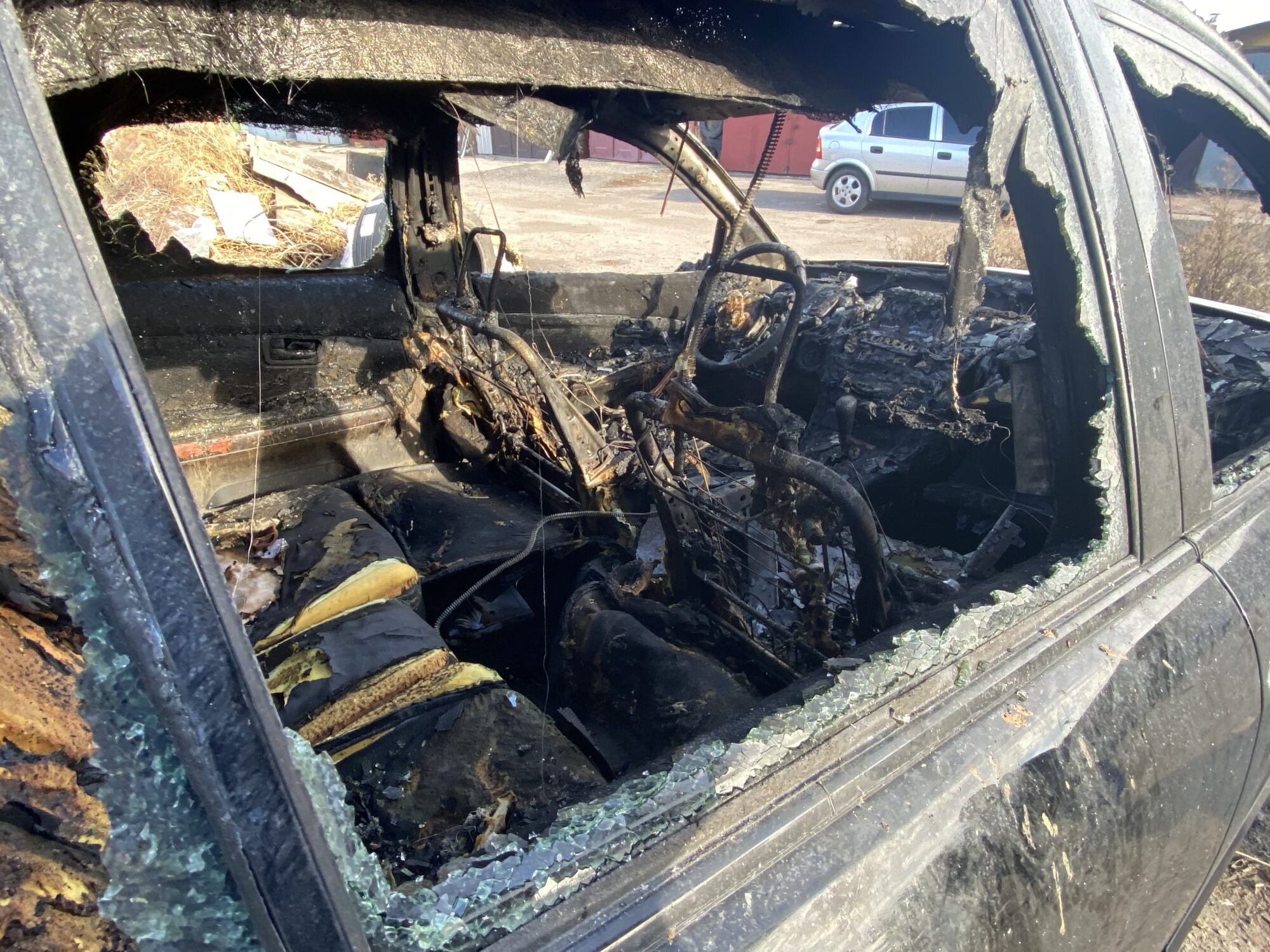 У Броварах згорів Lexus - загорання автомобіля, ДСНС Київщини - BFDCBAF2 9D1D 4E66 80D4 0CDA5F305821 2000x1500
