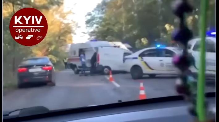 На Бориспільщині сталося серйозне лобове зіткнення двох авто (відео) - Поліція, автомобіль - Novyj rysunok 1 1