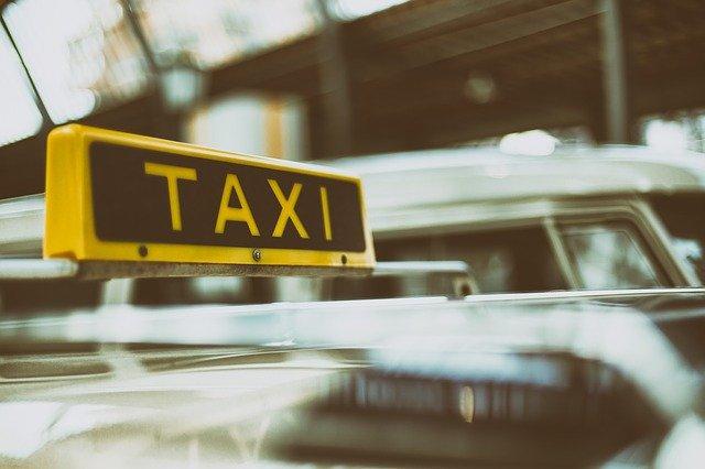 Кримінальне таксі: водій зґвалтував та мало не задушив пасажирку - таксі, таксист, побиття, зґвалтування - automobile 1845650 640
