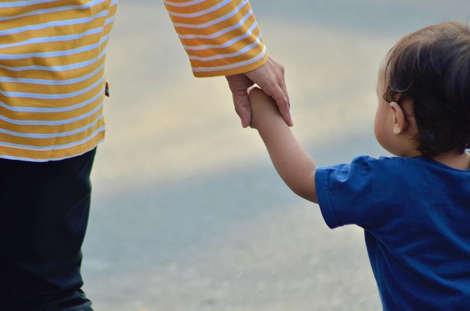 Сирітство в Україні: скільки дітей усиновили іноземці - усиновлення, діти-сироти - child 5033381 960 720 1
