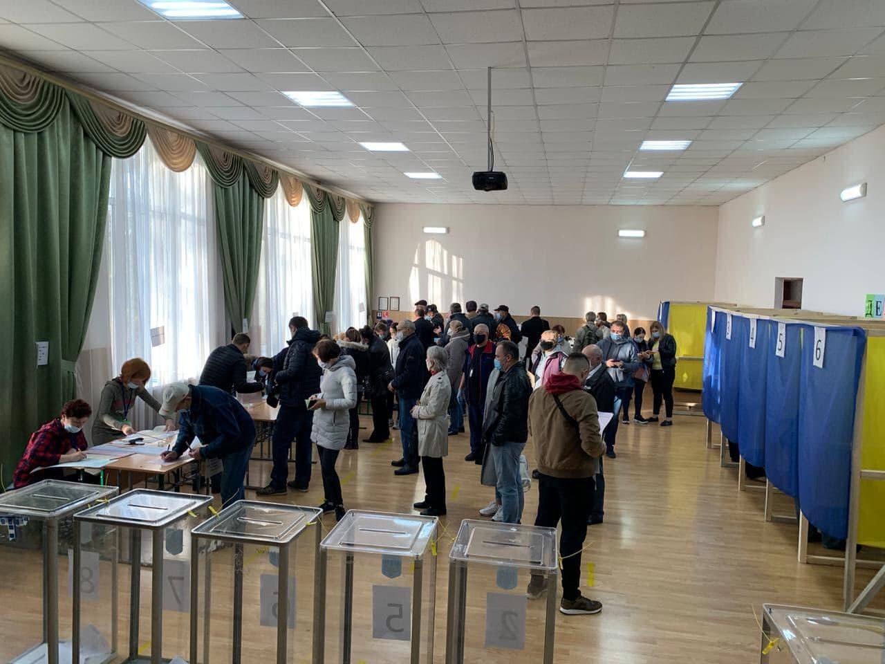 Як голосують жителі Ірпеня? -  - photo 2020 10 25 10 55 38