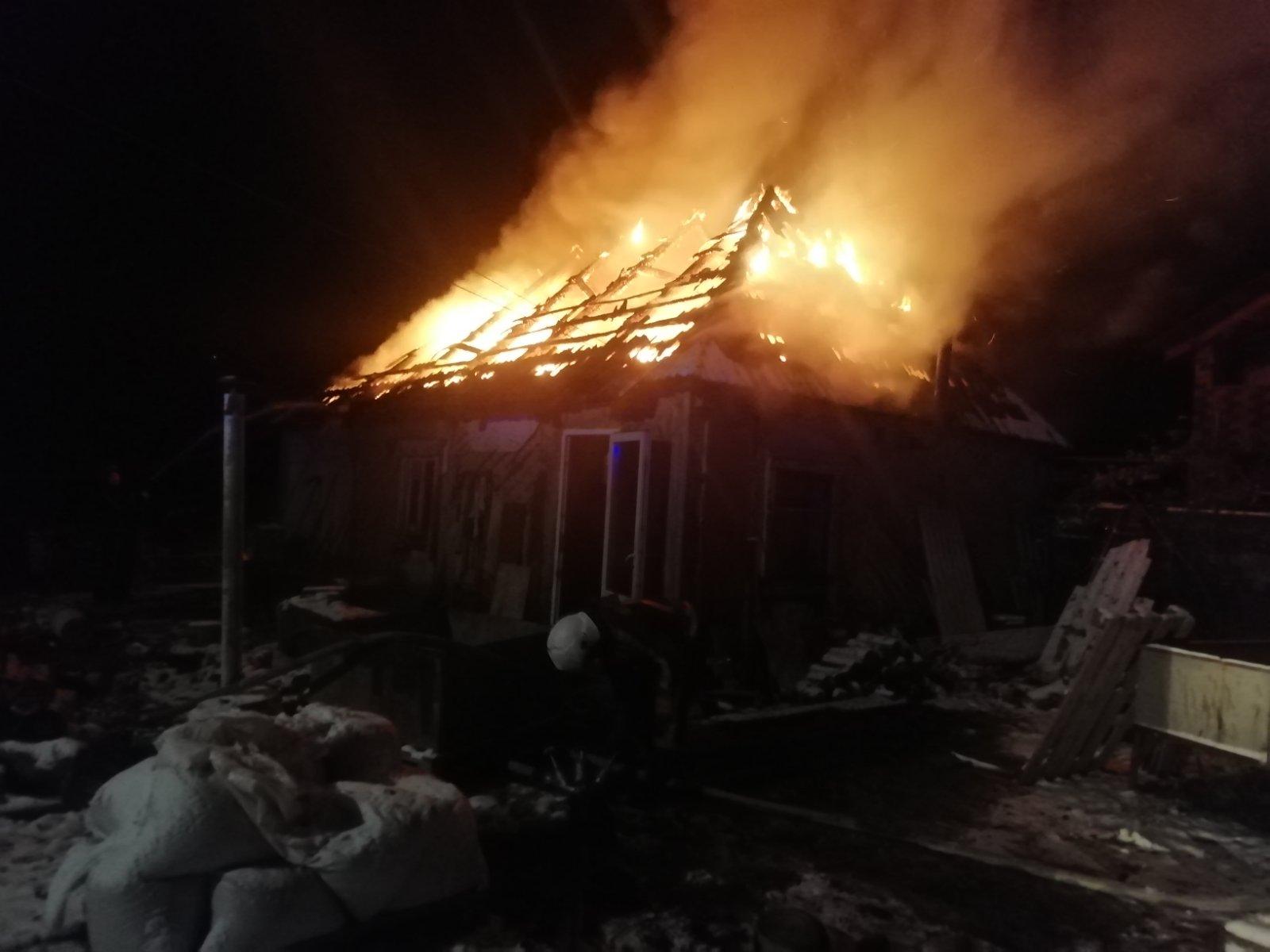 У Василькові вщент згорів будинок - пожежа - 0 02 05 a28bd3176dd348b51248760f0da2b78024d23e0801f0b575f21763642a96ae63 cd116647