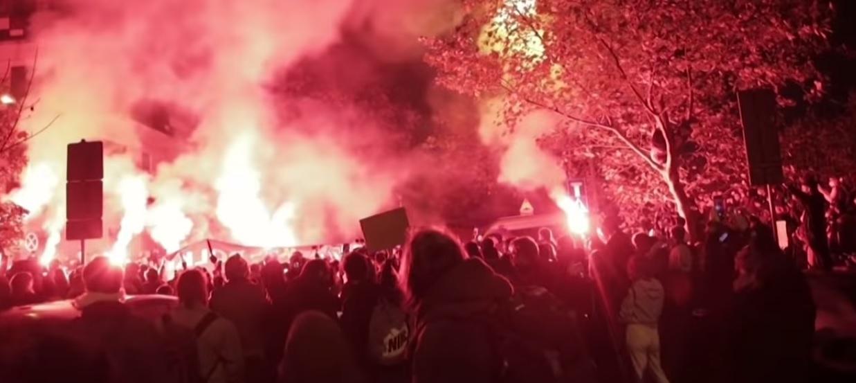 Право на аборт: в Польщі більше тижня не вщухають масові протести - Польща, аборт - 02 Polsha