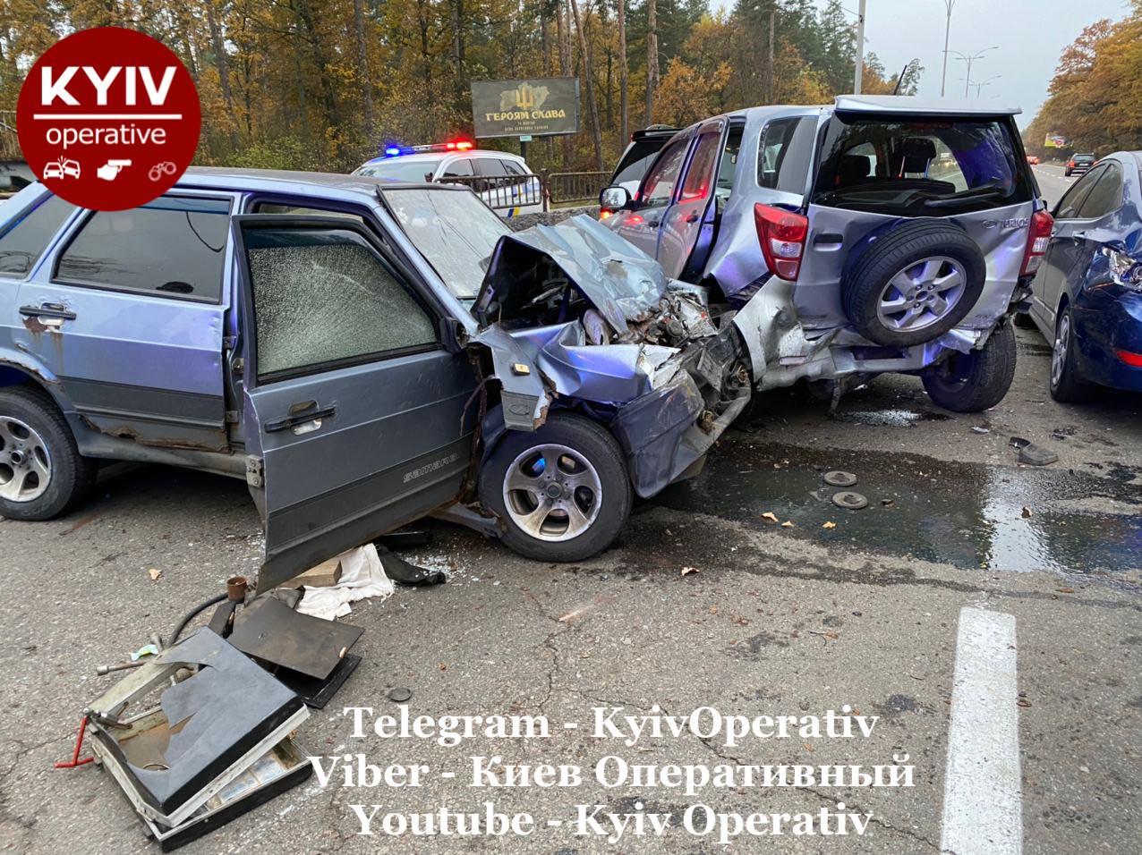 У столиці сталася смертельна ДТП за участю чотирьох авто - Аварія на дорозі, Аварія - 08 dtp2