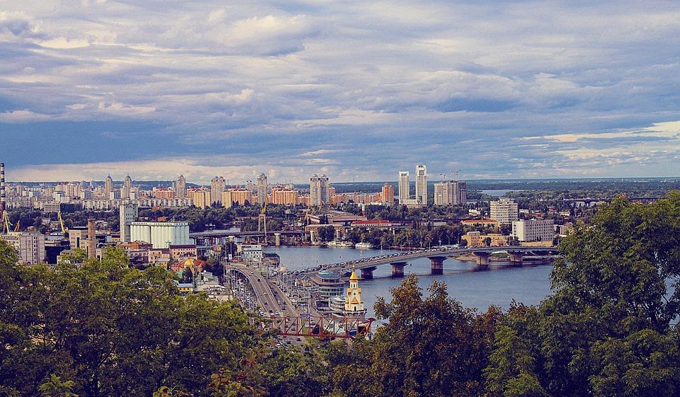Транспорт та затори – головні причини забруднення повітря в Києві - забруднене повітря - 08 kyev