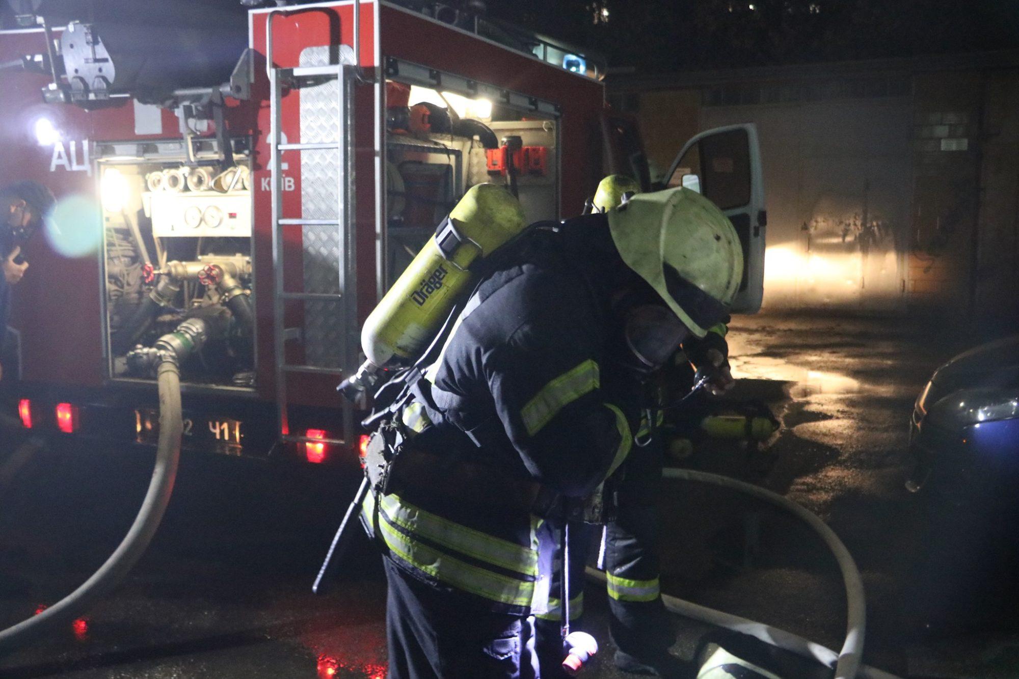 Київ: під час гасіння пожежі в готелі, евакуйовали людей - загоряння, готель - 123815259 3464867130259871 2736234506867808812 o 2000x1333