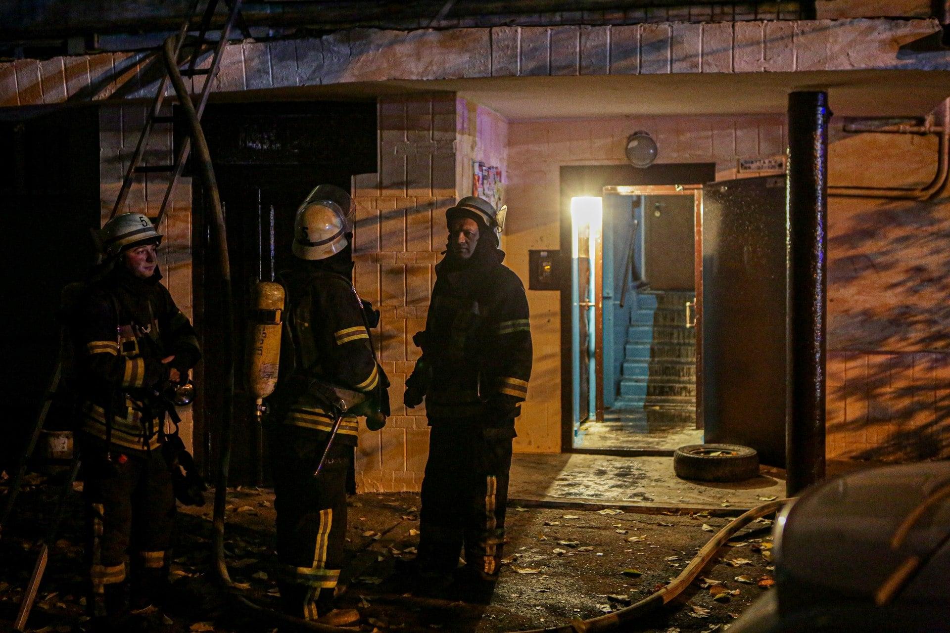 Підпал автошин у багатоповерхівці Києва міг закінчитись трагічно - пожежа - 125132147 3491294100950507 4065703363156484243 o