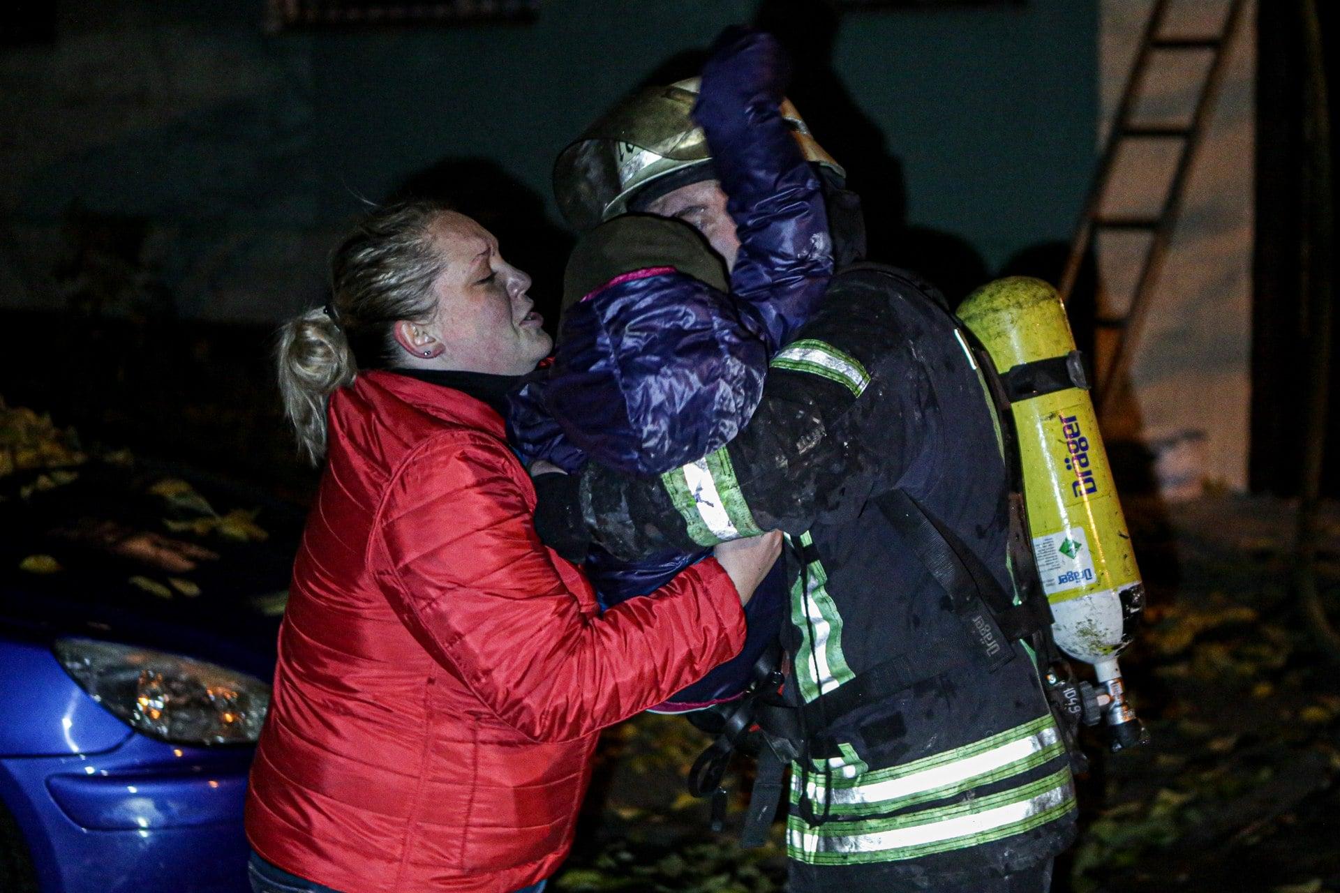 Підпал автошин у багатоповерхівці Києва міг закінчитись трагічно - пожежа - 125869218 3491294154283835 6854926617421534700 o
