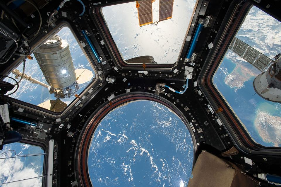 Майбутні перші туристи МКС вже підписали контракт - НАСА NASA, МКС, Ілон Маск, SpaceX, NASA - 12 mks