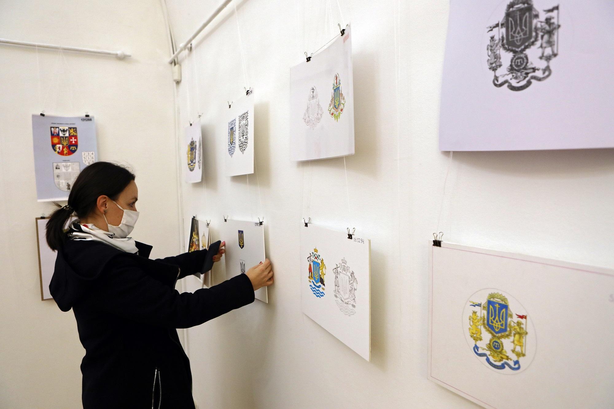У Софії Київській презентовані ескізи великого Державного герба України - конкурс, виставка - 20201113105346 EI4A7521