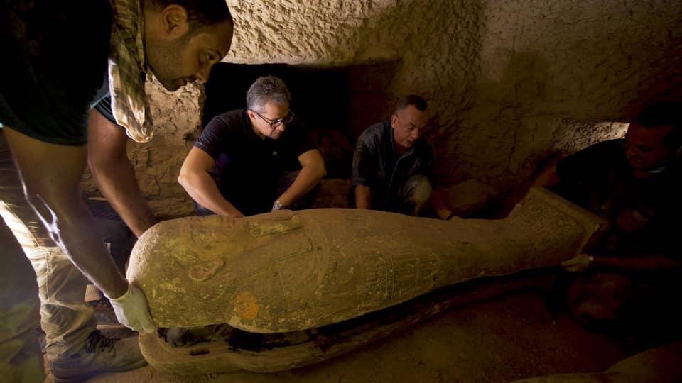 Деякі зі знайдених у вересні в Єгипті прадавніх саркофагів були запечатані «прокляттям» - поховання, історія, Єгипет, археологія, археологічні розкопки - 29 grobnytsa2