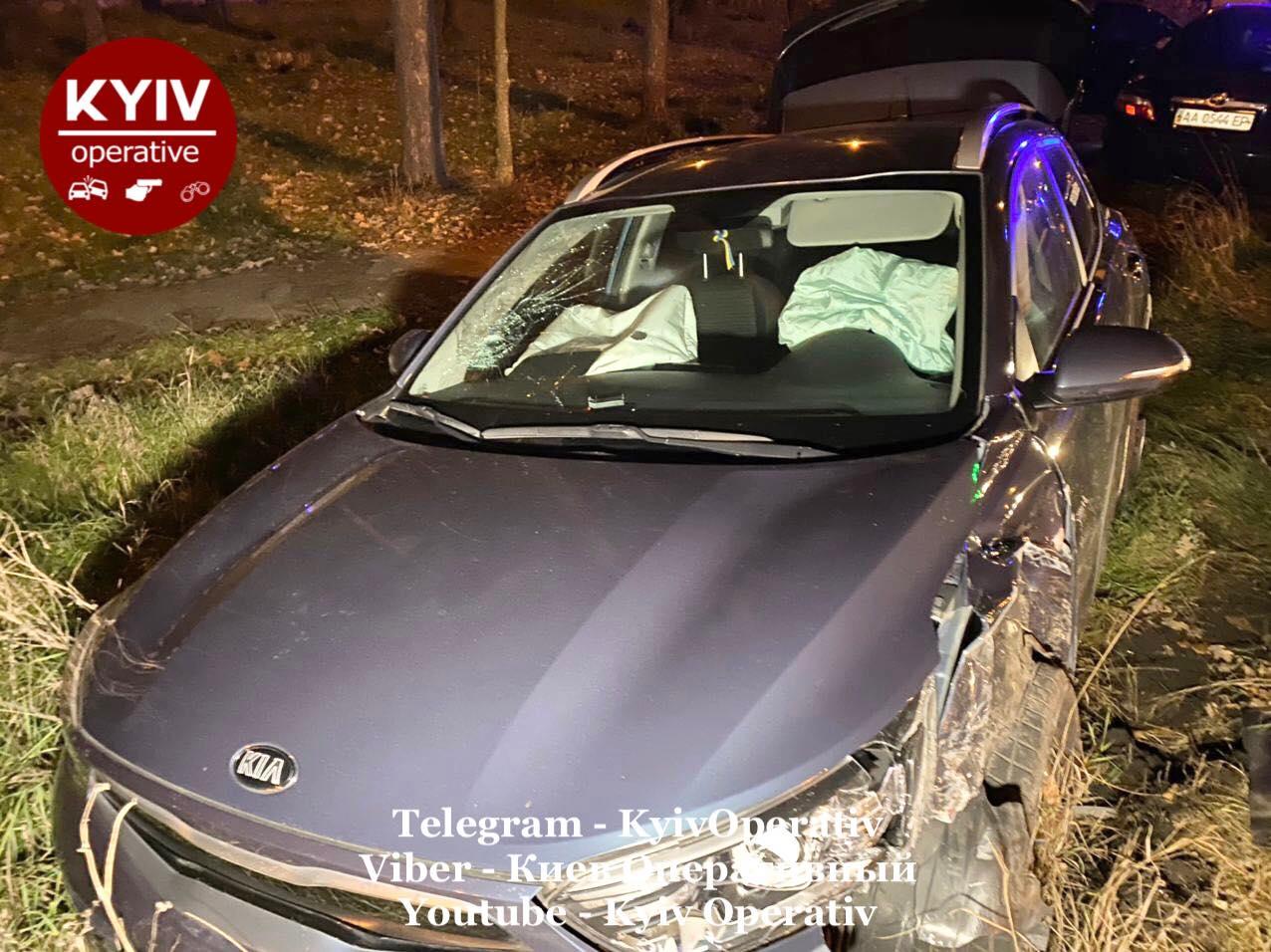 У Києві зіткнулися три автівки - Київ, ДТП - DTP3