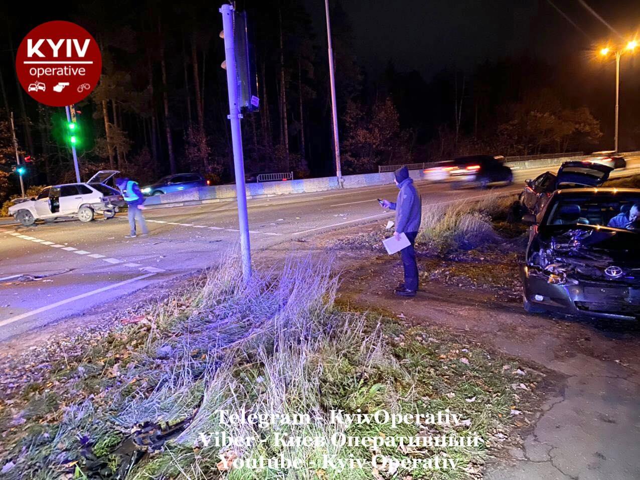 У Києві зіткнулися три автівки - Київ, ДТП - DTP5