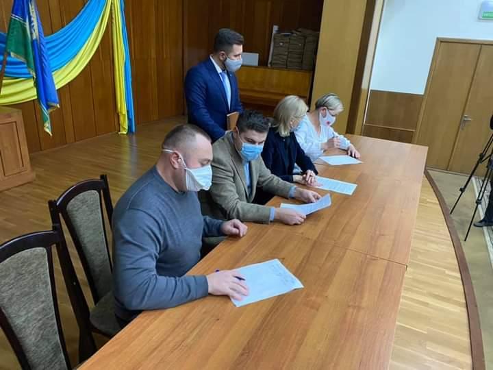 В Ірпені депутати чотирьох партій підписали «Меморандум більшості» -  - FB IMG 1605540365917
