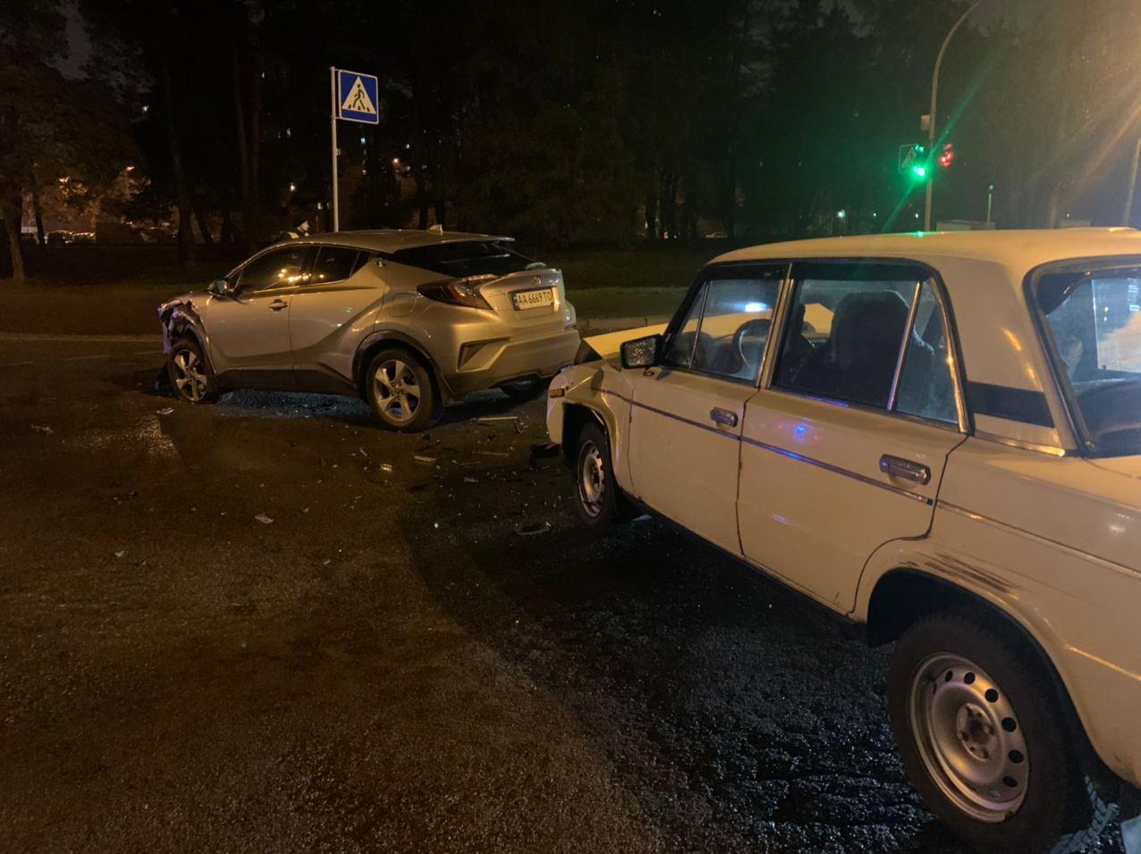 У Києві водій намагався «проскочити», а скоїв ДТП - ДТП, ВАЗ, Аварія на дорозі - IMG 20201116 072854 650