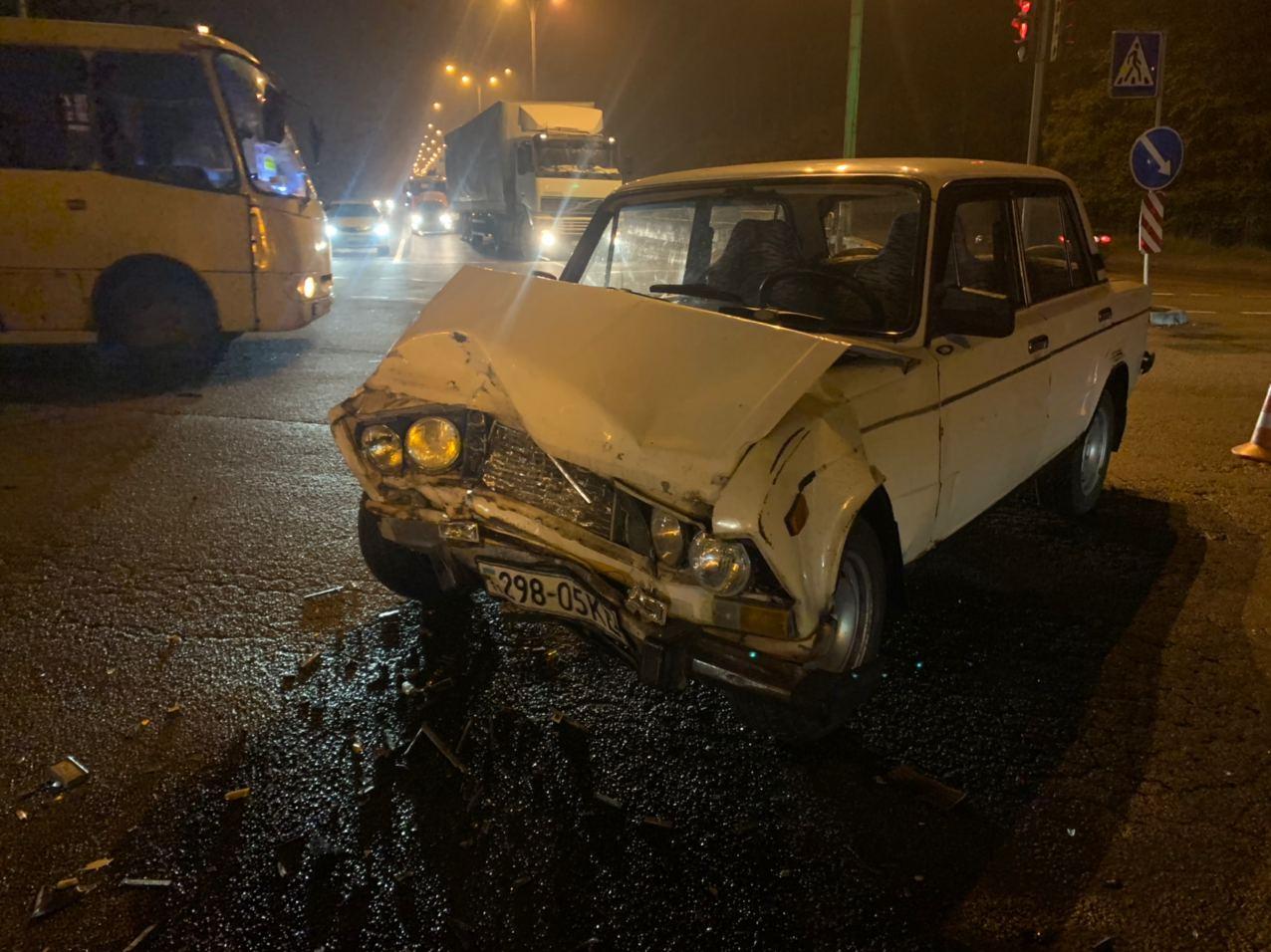 У Києві водій намагався «проскочити», а скоїв ДТП - ДТП, ВАЗ, Аварія на дорозі - IMG 20201116 072903 295