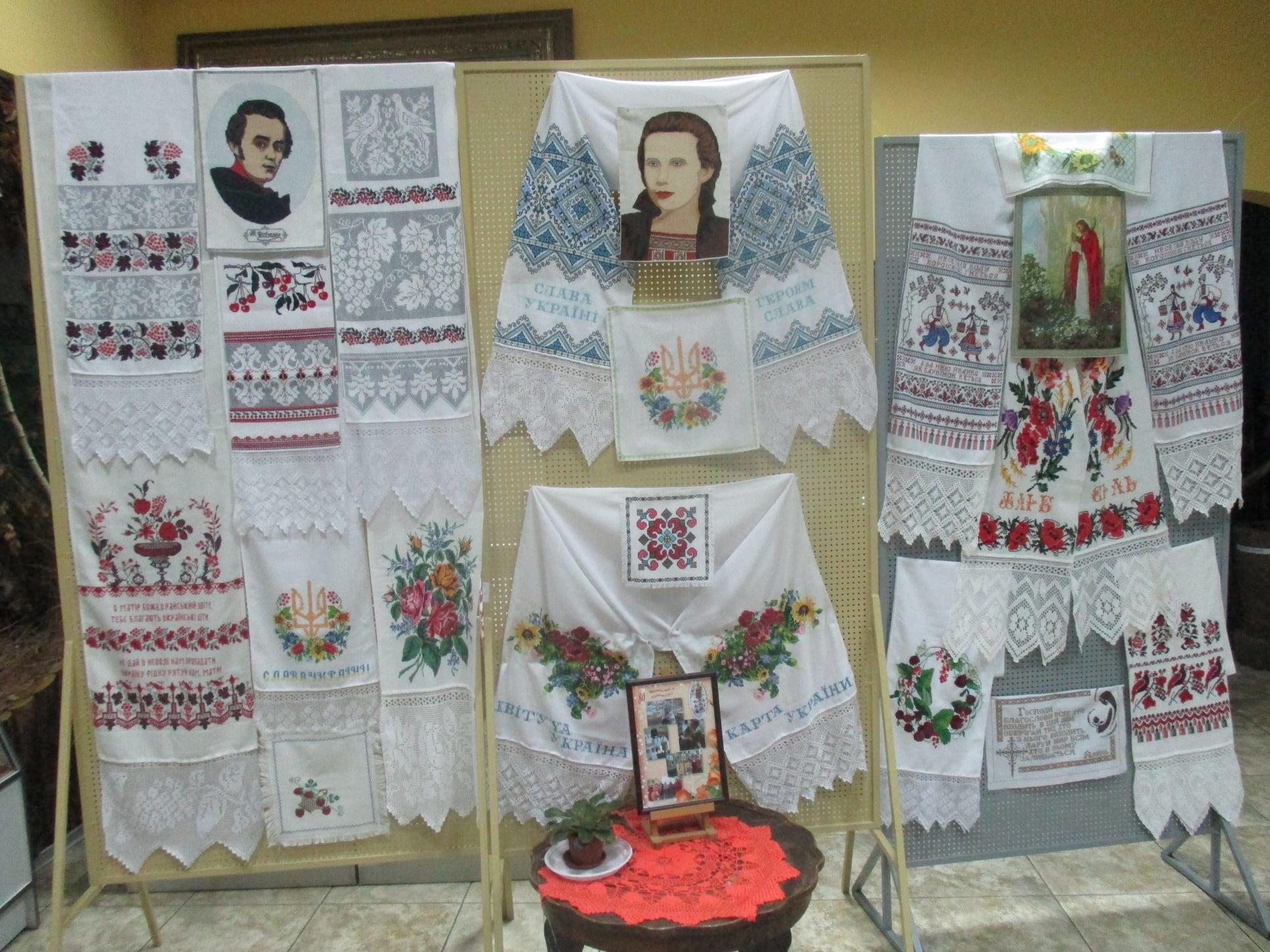 Виставка 80-річної майстрині Ганни Корженівської в Ірпені - Приірпіння, музей, Мистецтво, київщина, виставка - Korzhen 1