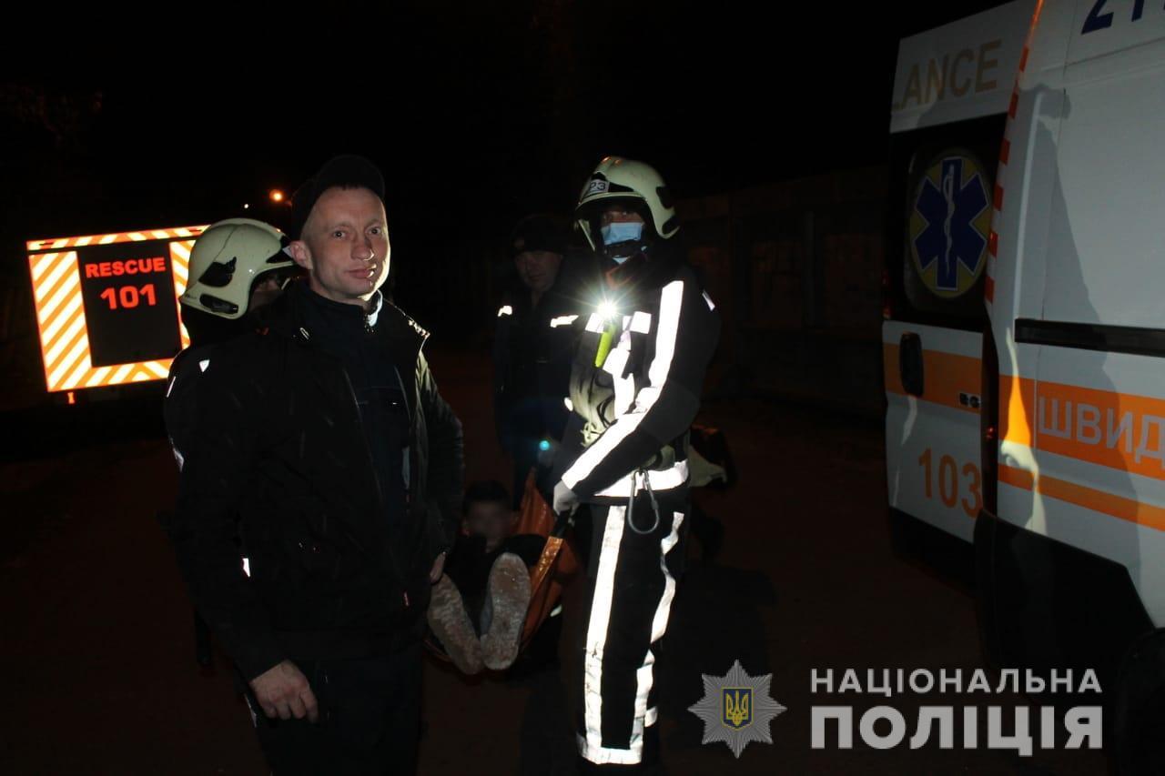 Із цвяхом у нозі: хто допоміг  пораненому підлітку на довгобуді Київщини - підліток, Довгобуд - Poryatunok3