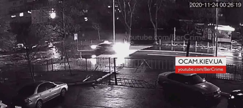 У столиці водій таксі збив чоловіка на пішохідному переході (ВІДЕО) - пішохідний перехід, ДТП з потерпілим - Screenshot 13 1