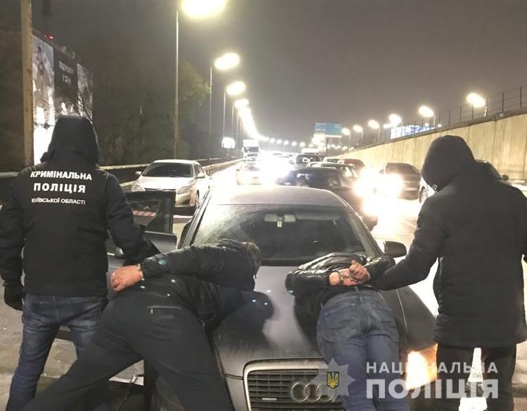 За «гарячими слідами» затримали іноземців, що обікрали автівки на Київщині - крадій, автомобіль - UKRbarsetky1