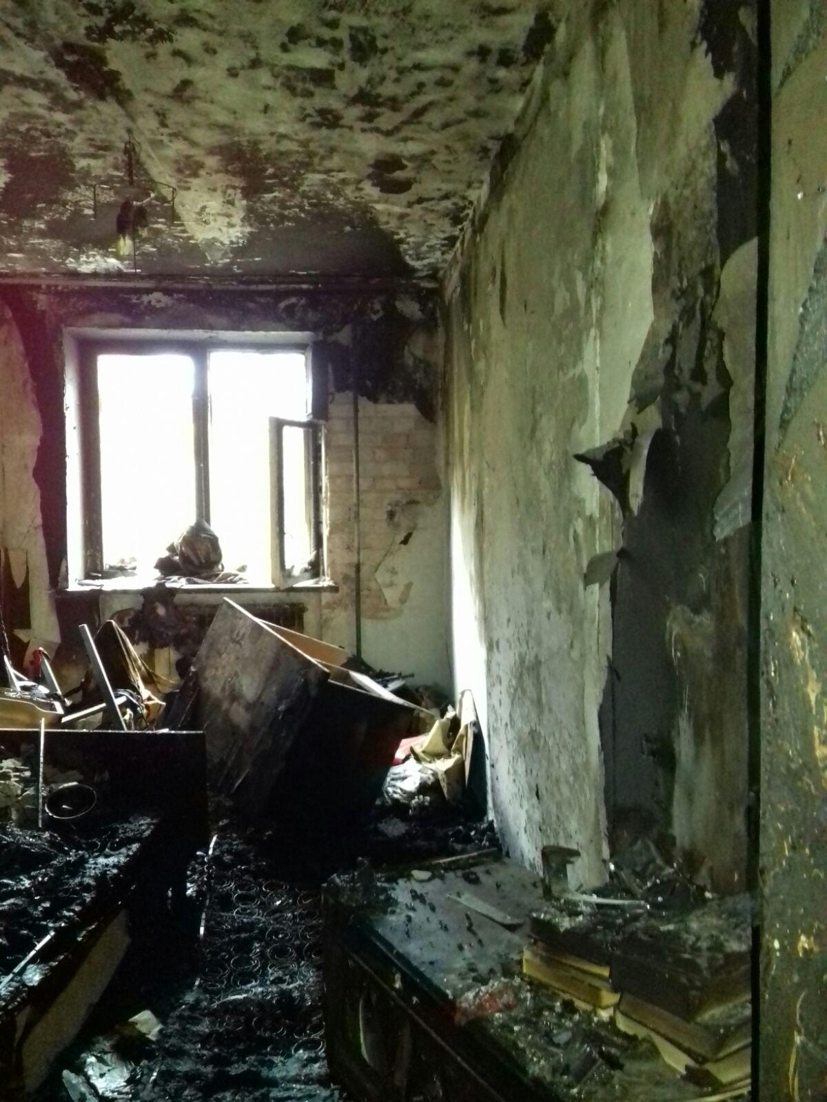 Пожежа у Бучі обернулася трагедією - смерть, пожежники, пожежа будинку, пожежа, Буча - image 2020 11 06 13 15 27