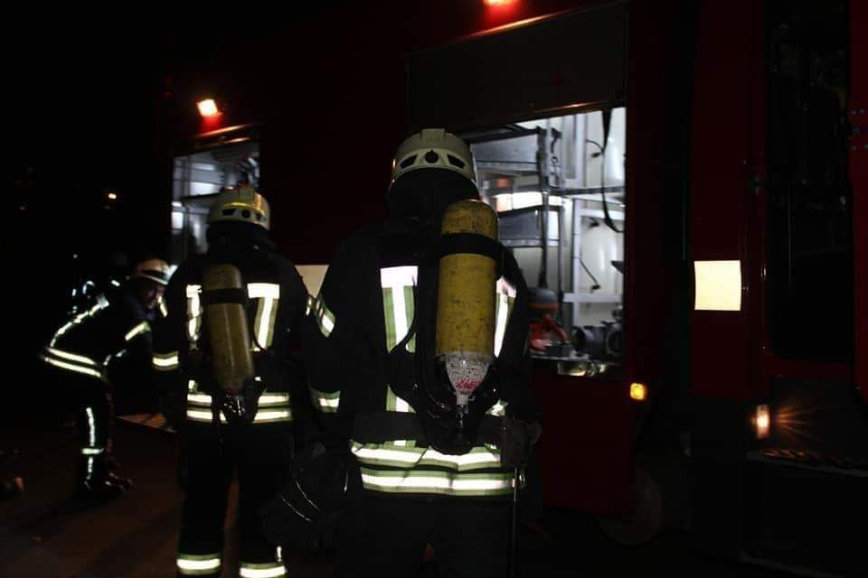Три пожежі за одну ніч: столичні вогнеборці успішно ліквідували займання - пожежники, пожежа, загоряння - photo5267472016825495363 1