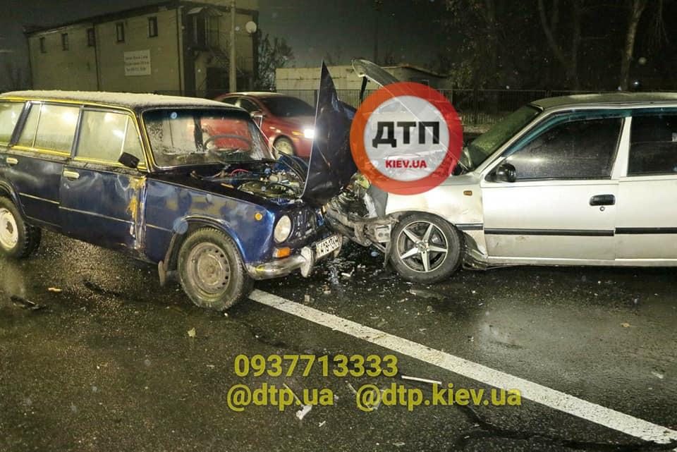 У Києві в ДТП потрапило одразу п'ять авто - легковик, дорога, Аварія - 129117952 928872580977625 2351565704413748679 n