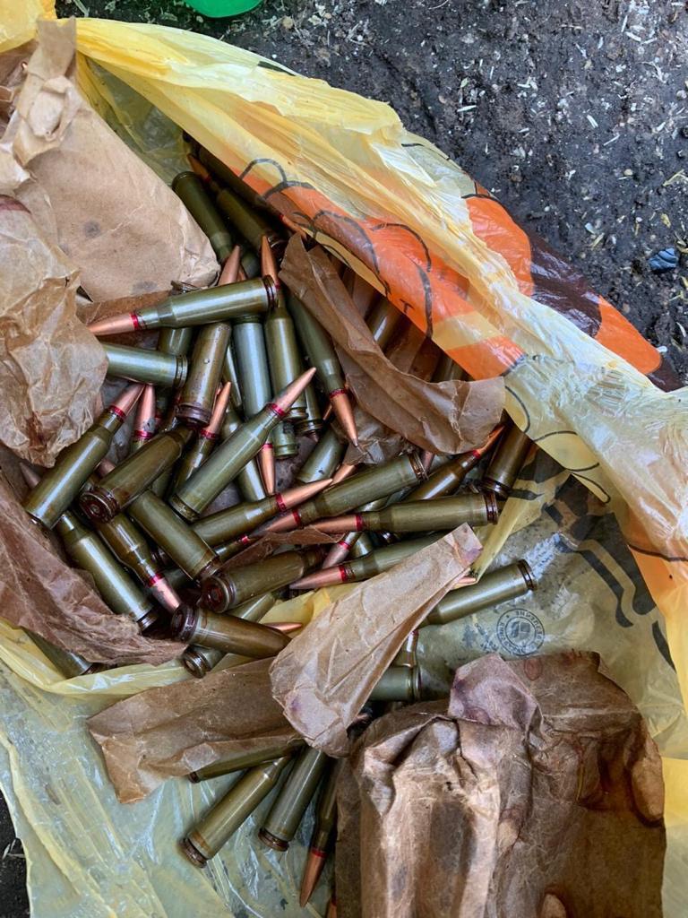 У Василькові викрили озброєного наркодилера - Поліція Васильківщини, підозра, наркотики, наркодилер, зброя - 132651031 851196418976928 3033484614112074289 o