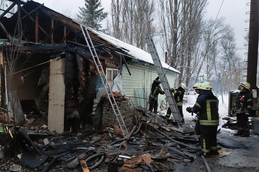 Крадіжки та пожежі: у Києві минулої доби було неспокійно - хуліганства, рятувальник, пожежники, крадіжки, вбивство - 132726214 3589719054441344 2520187297946805146 o