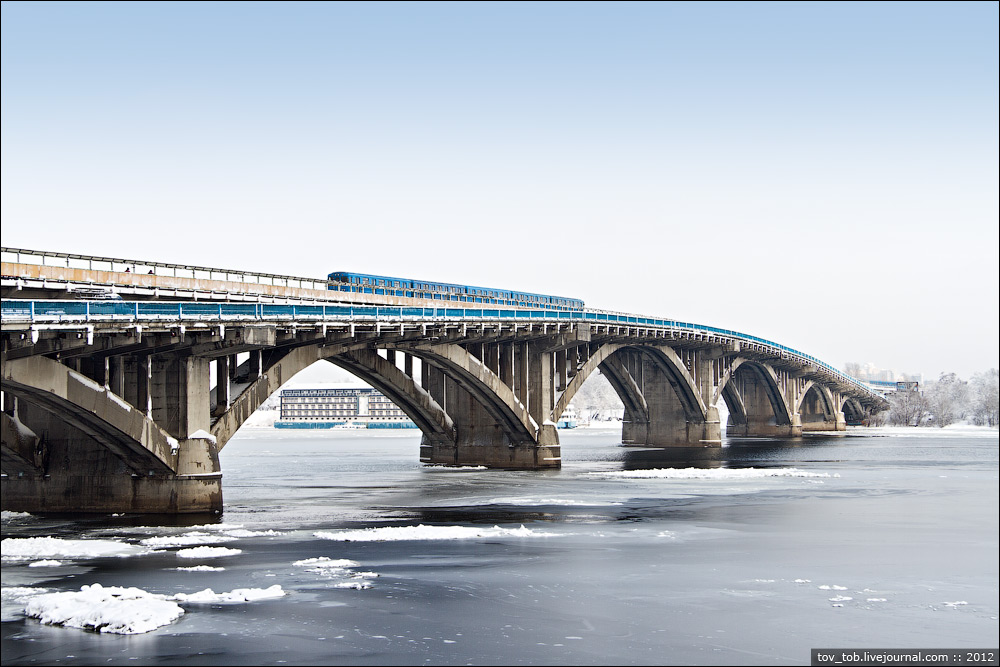 На мосту Метро частково обмежили рух - Міст метро, Київавтодор - 1556051 original