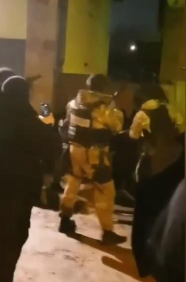 Катували праскою та різали ножем: озброєну банду з Ірпеня затримали - катування, злочинці, злочинна група, затримання злочинця, банда - 18 polytsyya