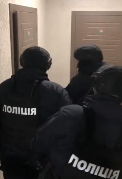 Катували праскою та різали ножем: озброєну банду з Ірпеня затримали - катування, злочинці, злочинна група, затримання злочинця, банда - 18 polytsyya2