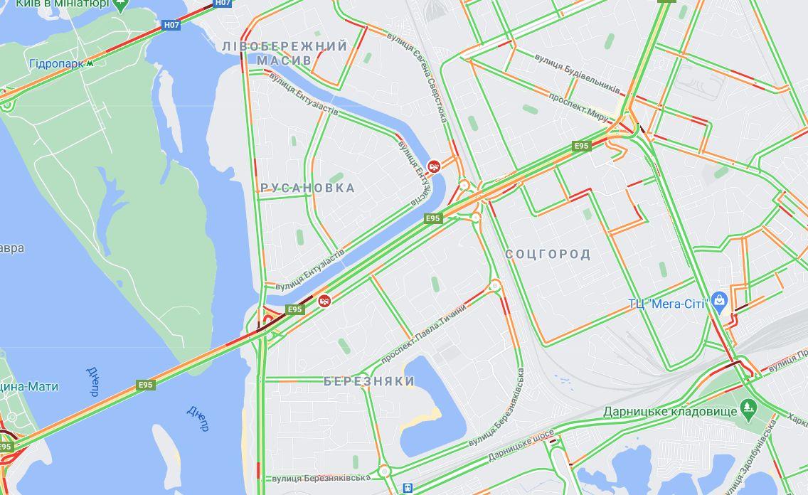ДТП у столиці спричинила затор на Русанівському мосту (відео) - Русанівка, затор - Bez nazvaniya 1