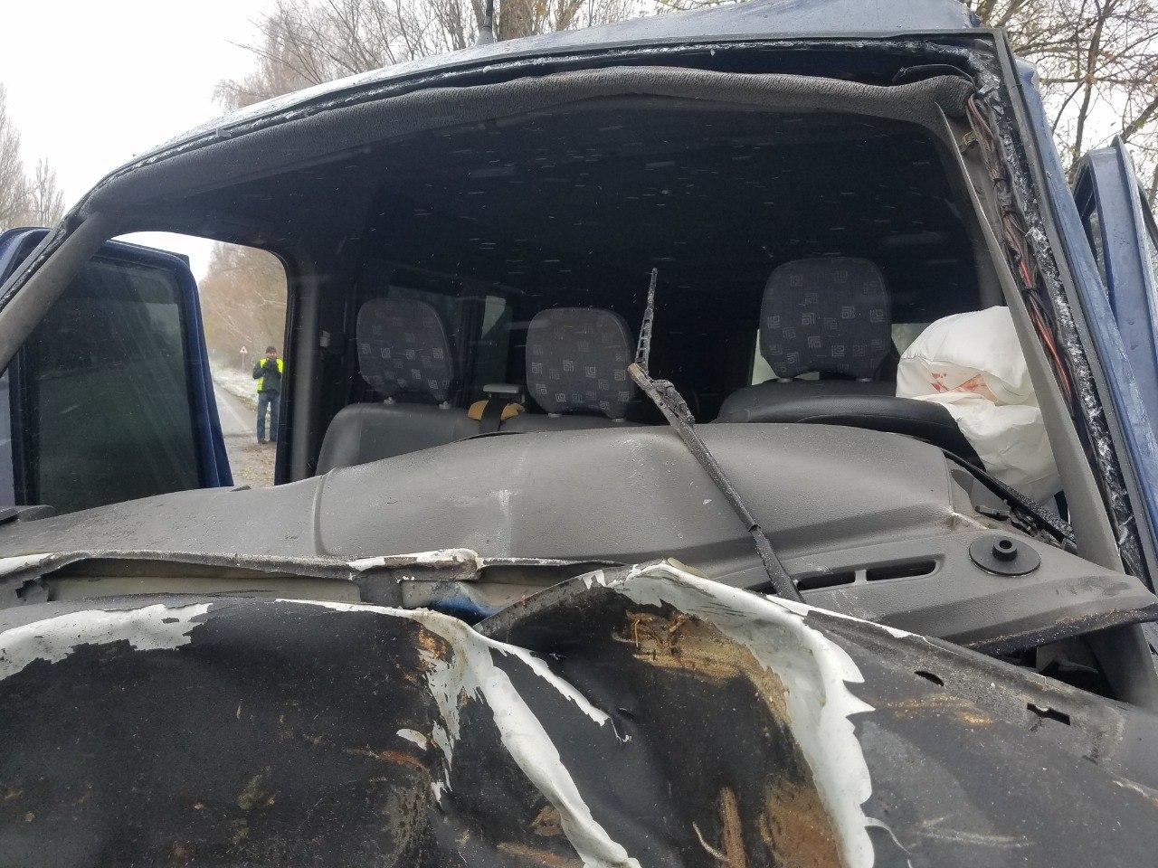 ДТП на Бориспільщині: від удару об дерево двигун авто опинився у салоні - дорога, автомобіль - DTP pid Borospolem