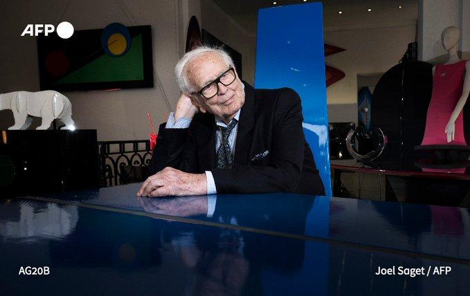 У віці 98 років помер відомий модельєр П'єр Карден - смерть, Модельєр, Карден - EqZ5TEQW4AAOPTw.jpeg