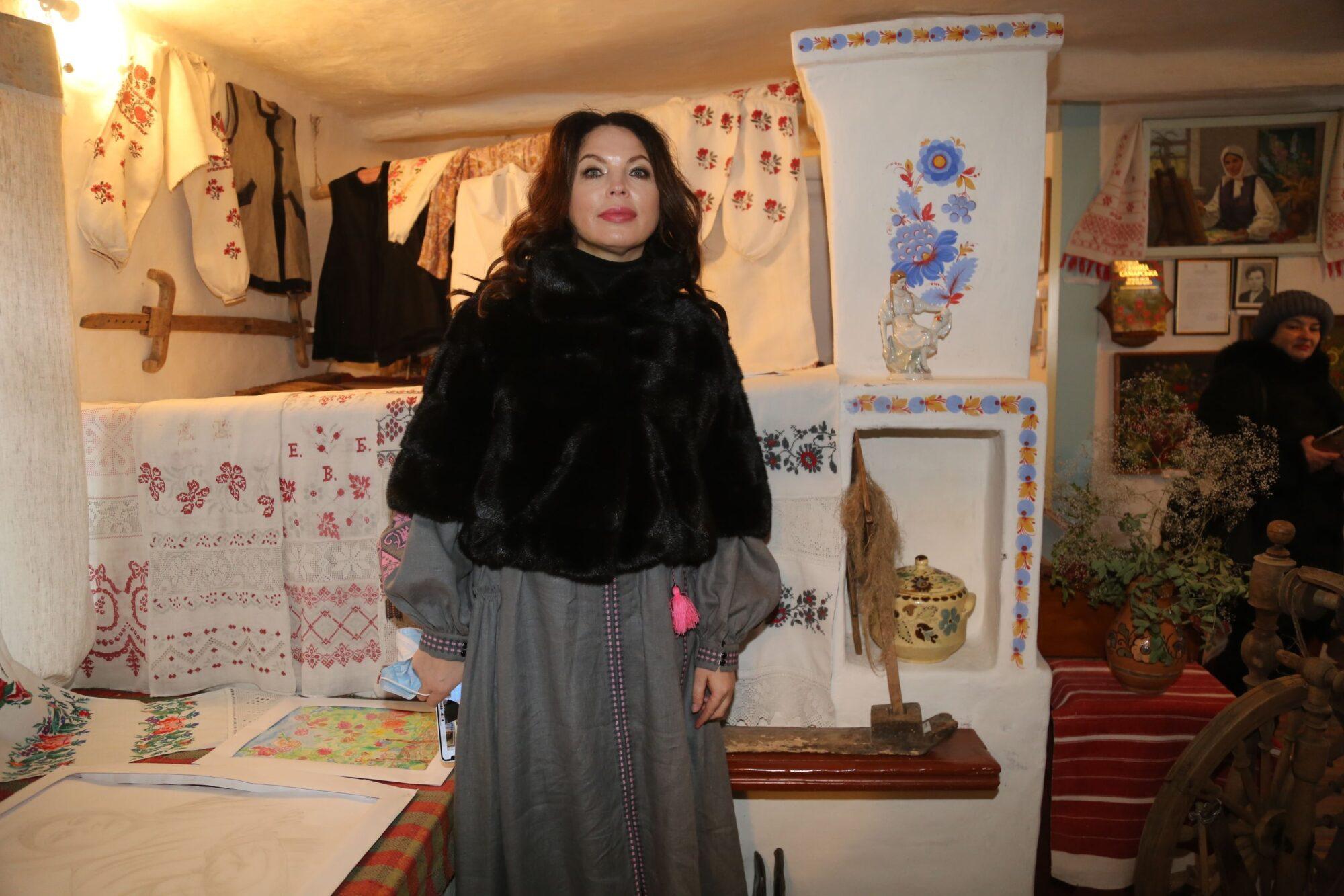 Нев'янучі квіти  Катерини Білокур - художниця, талант, національна культура, Катерина Білокур - Muz lyt1 2000x1333