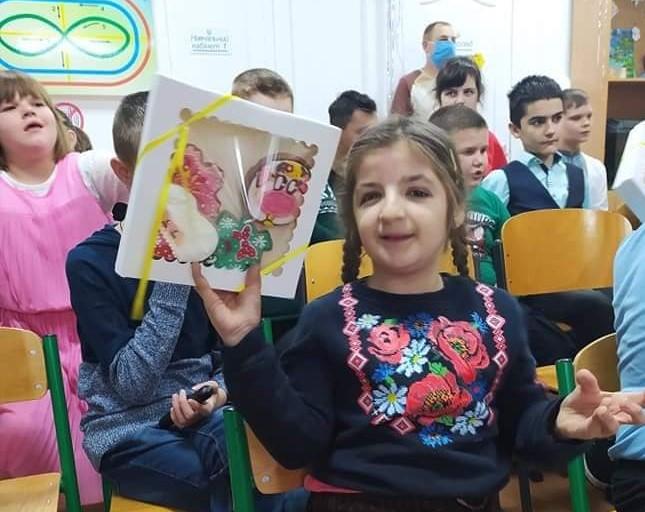 «Миколайчики» для особливих дітей Вишгородщини - школа, подарунки, Інклюзивна освіта - Nadiya1 obr