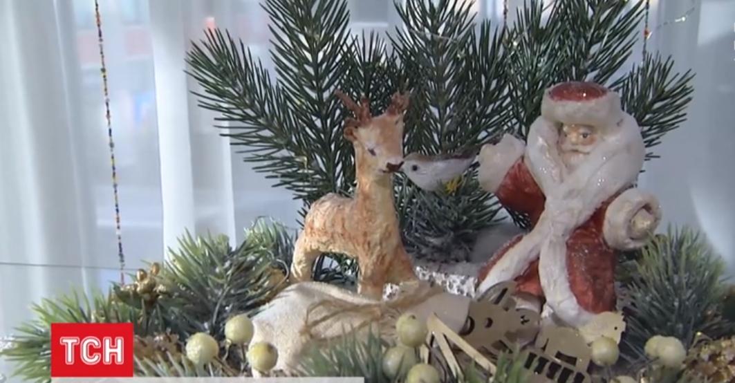 У Києві триває виставка новорічних іграшок ручної роботи - ялинкові прикраси, відвідувачі, виставка - Screenshot 44