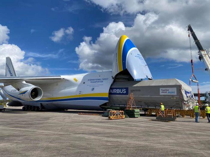 """Український АН-124 «Руслан» перевіз найбільший супутник за всю історію авіакомпанії - Літак, ДП """"Антонов"""", SpaceX - e604f3a3e98f35453972fc96c51002b5 700 0 0"""