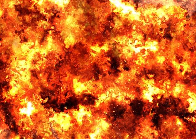 Пожежа у Гатному: 9 вогнеборців ліквідовували загоряння - пожежники, загорання житлового будинку, Гатне - fireball 422746 640
