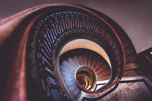 Однорічна дитина впала на міжповерхових сходах - травмування, травма, Дитяча лікарня, Дитина - stairs 1209439 640