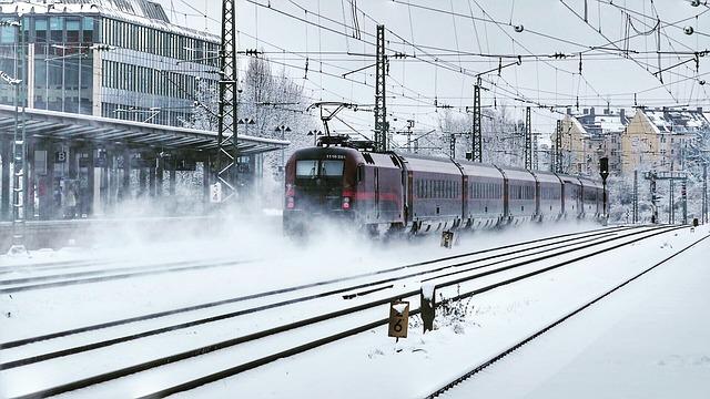 В УЗ готуються до свят: призначено додаткові рейси поїздів - Укрзалізниця, рух поїздів, поїзди - transport system 3225688 640