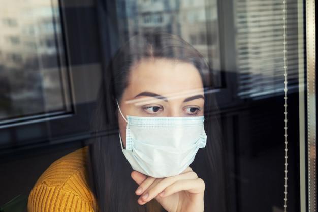 Локдаун в Україні буде з 8 по 24 січня включно - локдаун, коронавірус, карантин, канікули, заборона - woman in quarantine wearing protective mask 127675 2535