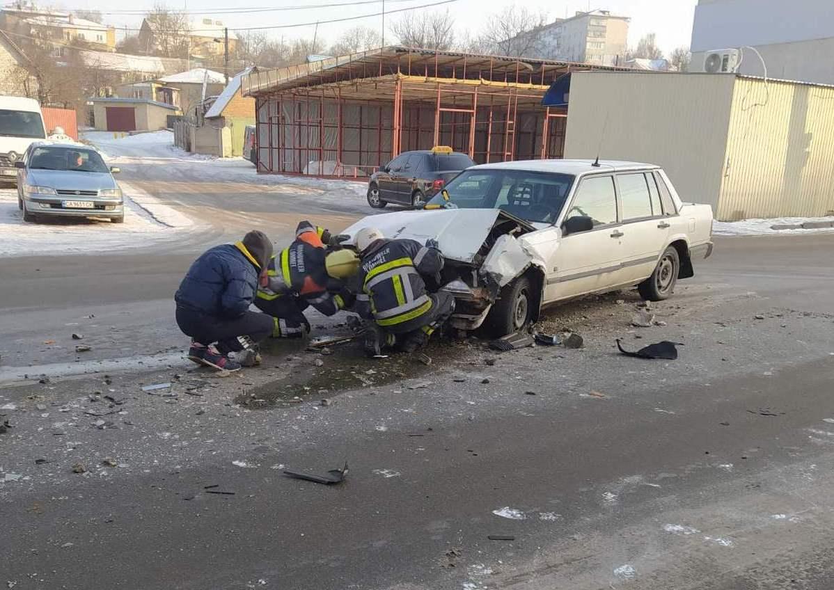 У Василькові у ДТП травмувався водій - легковик, зіткнення, Васильківщина, Аварія - 0 02 05 5f79ca160360a506b7a1c35f81776048d729390269a9e25ca15ab74cf0b9a4cc d6e52ee5