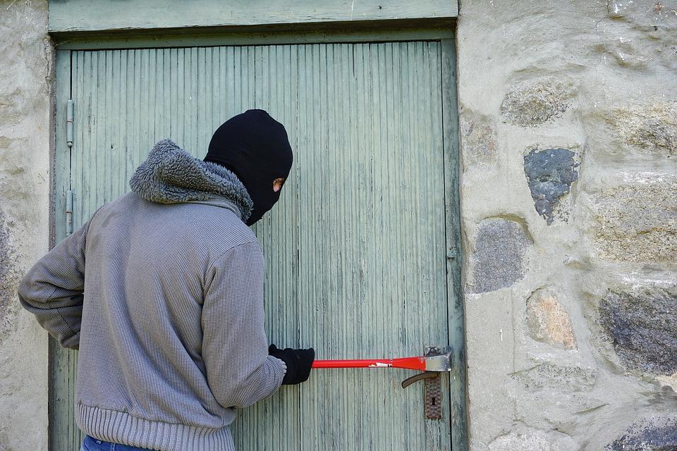 Лише за добу у Києві скоєно 51 крадіжку - нападник, крадіжки, грабежі, вбивство - 09 kyev