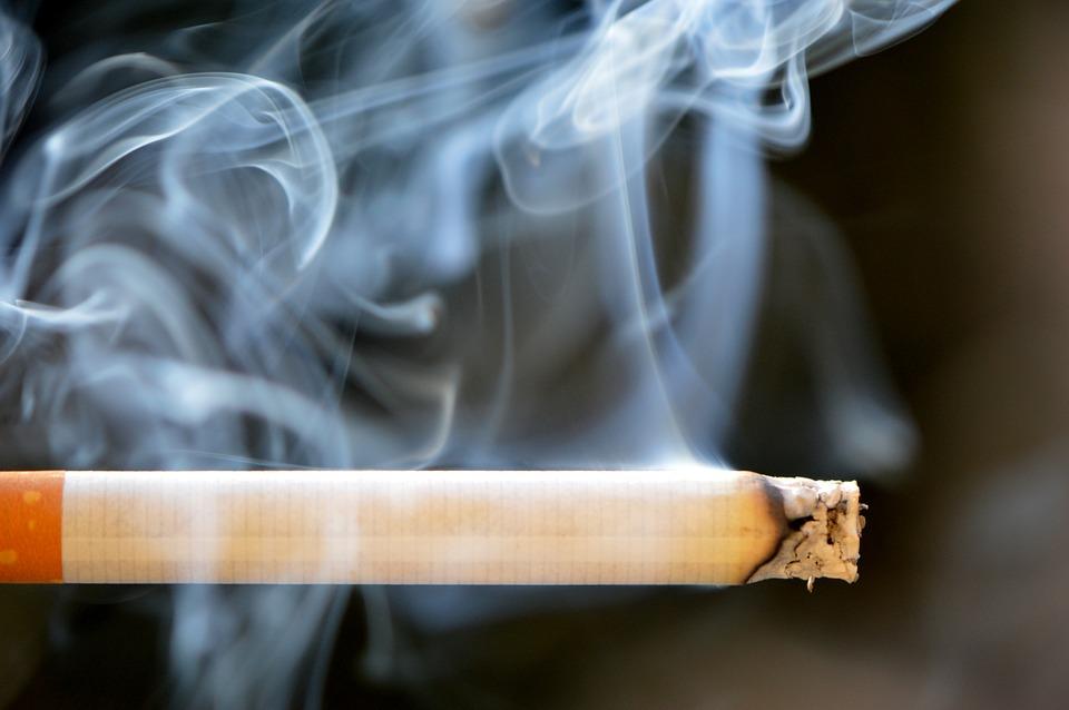 За рік на Київщині складено 2131 адмінпротоколів через паління у заборонених місцях - штрафи, куріння, електронні сигарети, адмінпротоколи, адміністративні правопорушення - 11 kurenye