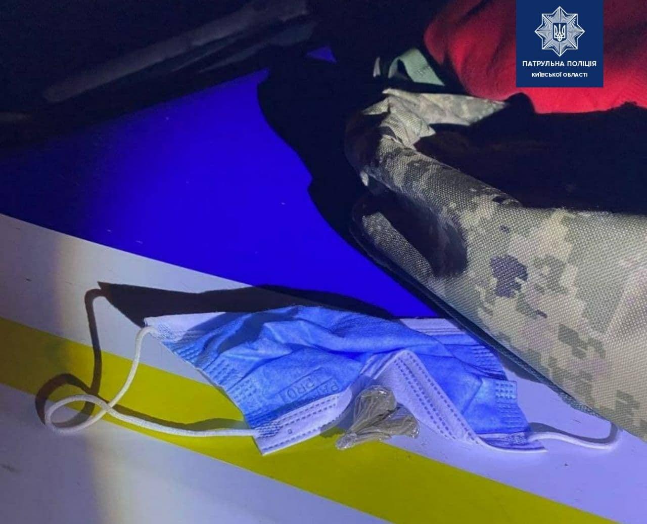 У Борисполі водій зізнався поліцейським, що має наркотики - Поліція, наркотики - 142998923 2001789939994589 7380820163432489844 o