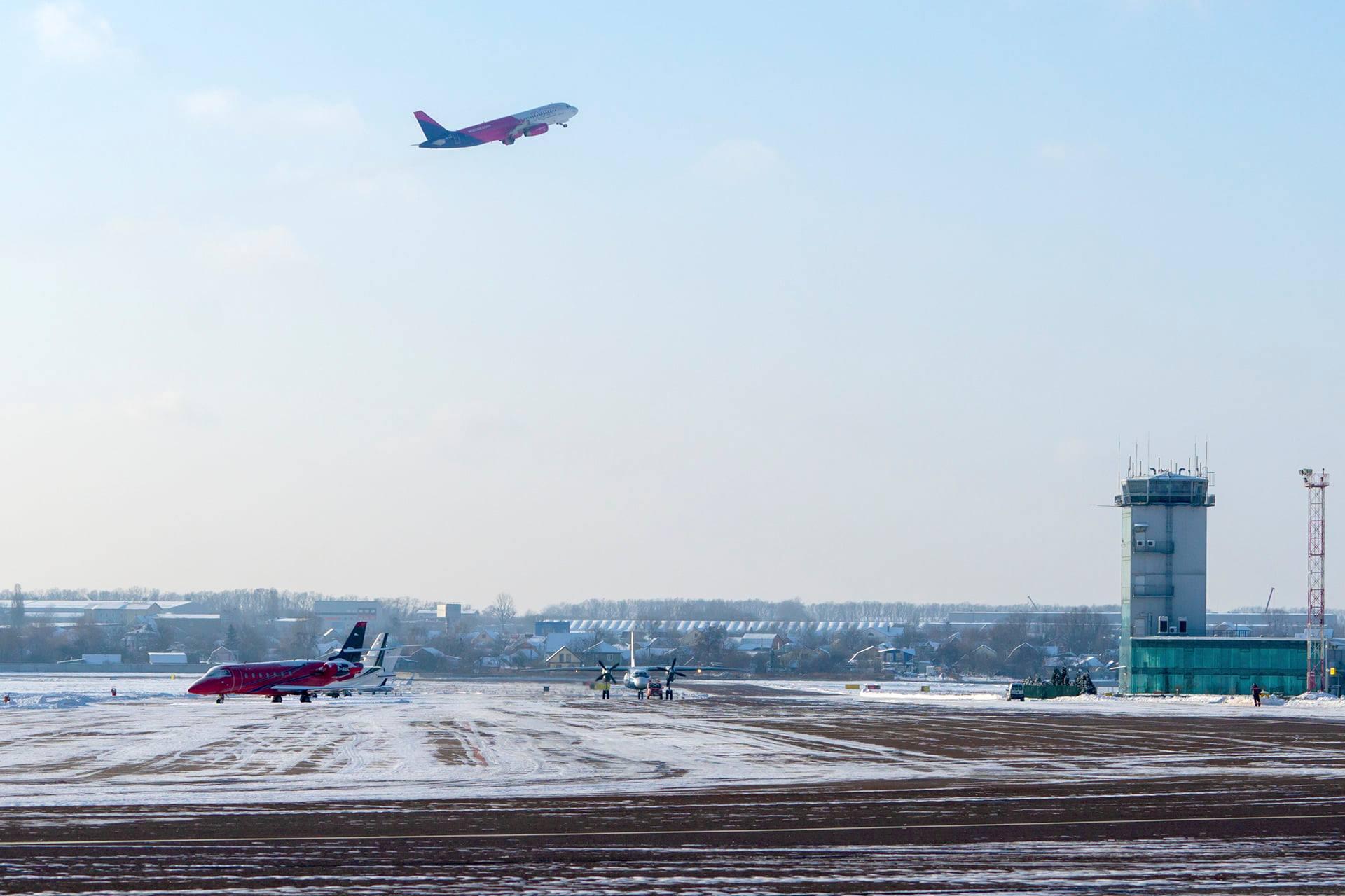"""Більше пасажирів: аеропорт «Київ» зможе приймати великі літаки - столиця, пасажири, літаки, аеропорт """"Київ"""", авіаперевізники - 143946848 1871498029655490 8552202677040674983 o"""