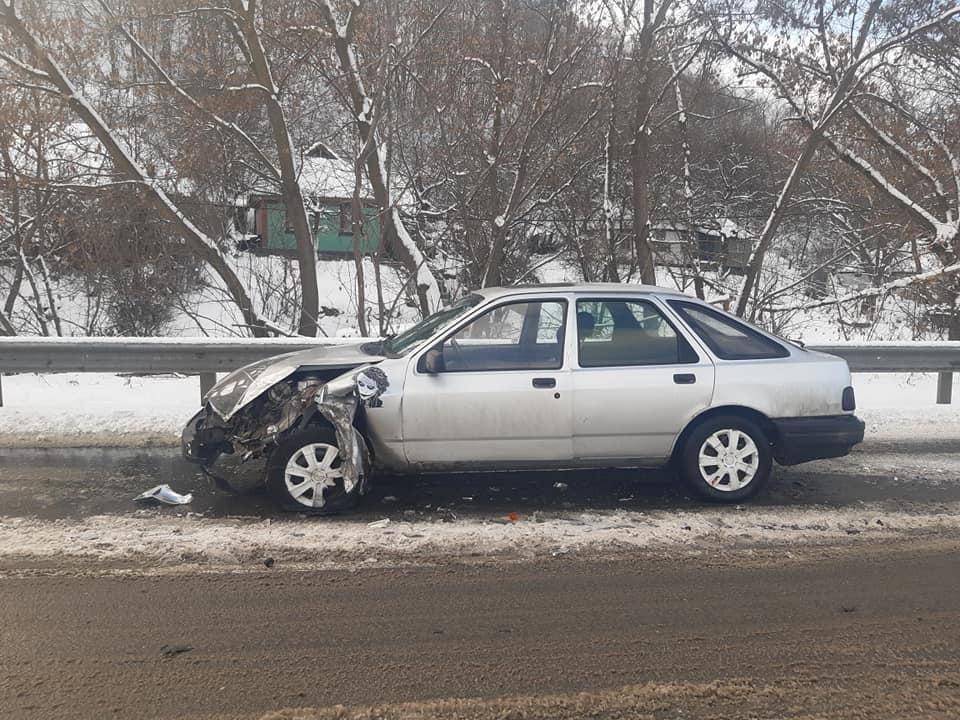 На Обухівщині, у Трипіллі зіткнулись дві автівки - позашляховик, легковик, зіткнення - 144399823 3869031623156203 4263421302141114554 n